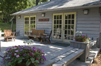 maple_lodge_outside